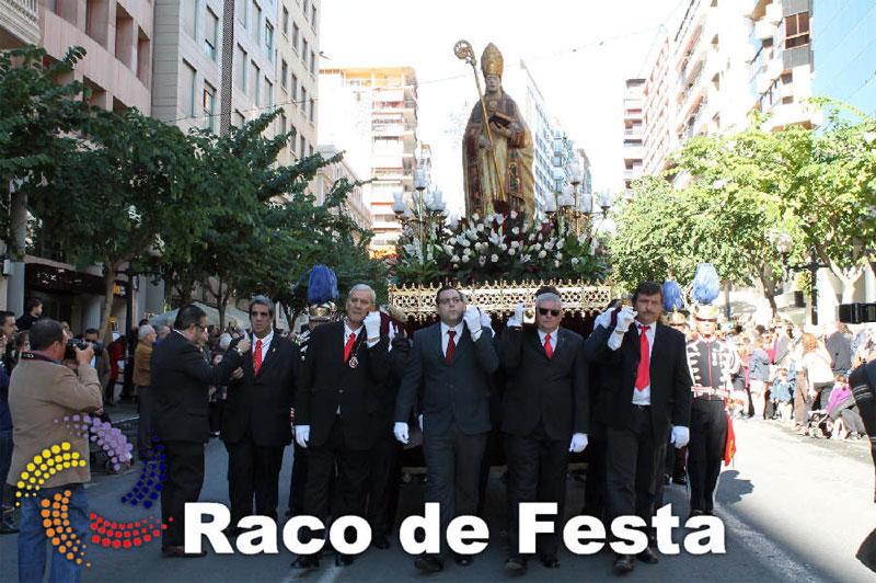La Gran Entrada Mora y Cristiana regresó el pasado sábado 6 de diciembre al programa de fiestas en honor a San Nicolás